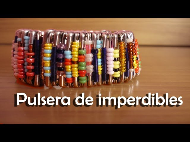 DIY - Crea tu pulsera con imperdibles - How to make a safety pin bracelet. Travel Video