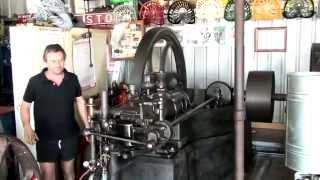 Crossley piano base slide-valve engine