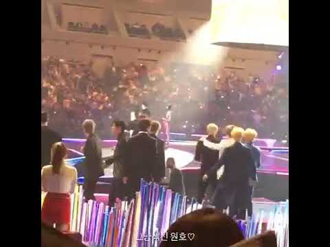 171129 MONSTA X FAKING THEIR REACTION IN MAMA @MAMA IN JAPAN 2017