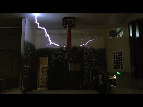 Mario Brothers Theme at 1.5 Million Volts on Zeusaphone ZX-160 Musical Tesla Coil