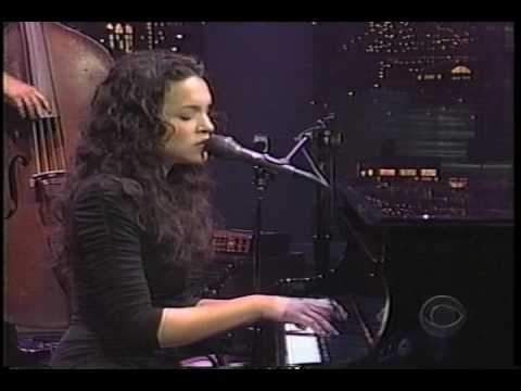 "Norah Jones performing ""Don't Know Why"" (Late Show 5-6-02)"