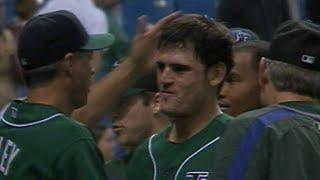 Jorge Cantu hits a walk-off home run