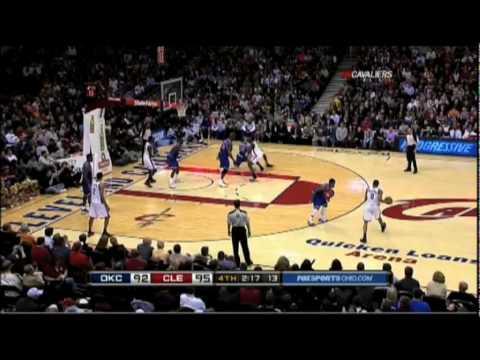 Kevin Durant misses shot
