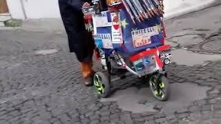 Ombrellaio in azione 🌂🌂🌂🌂☔☔☔☁ombrelli 5.00 Euro  migliori bacoli
