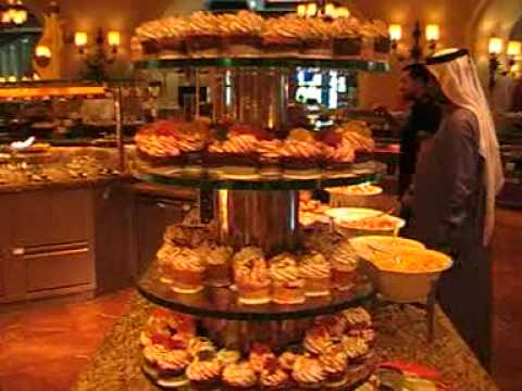 Dubai Atlantis Hotel The Palm auf der Palme Speisesaal Luxushotel