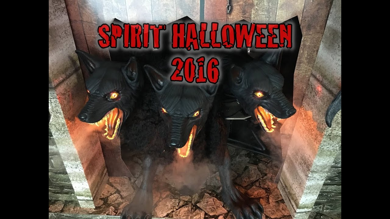 spirit halloween store is open 2016 tour props costumes animatronics scary stuff - Spirit Halloween Store 2016