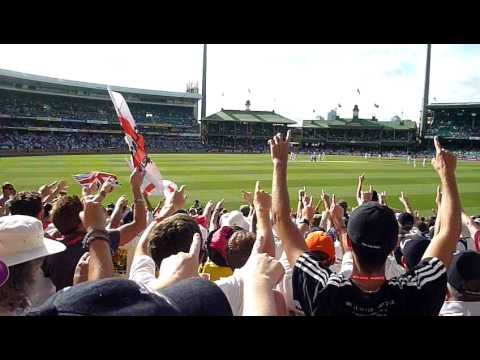 BarmyArmy Sydney SCG Ashes 2010/11,Day4,Haddin & Mitchell Johnson Golden Duck consecutive balls!