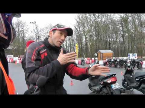Formation à la conduite des 125, scooters, motos et MP3 LT : Le freinage