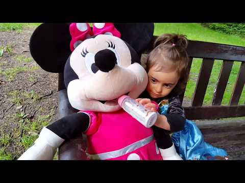Thumbnail: Minnie Mouse Car Accident / Clubhouse Minnie Pink Car / Disney Junior Video