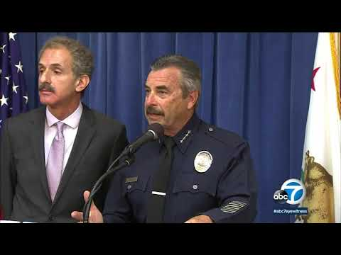 Judge rules money for police can't depend on cooperation with ICE   ABC7