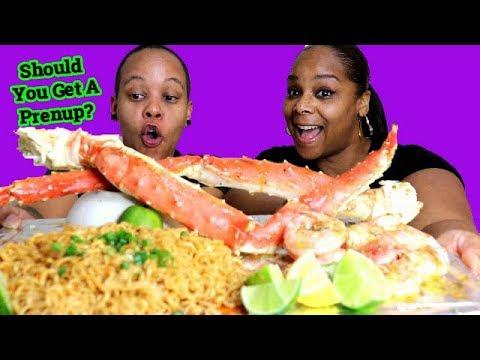King Crab Seafood Boil and Ramen Mukbang