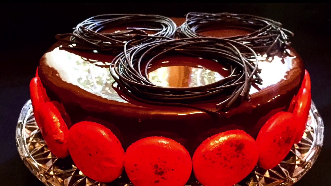 d cor en chocolat ou nid de p ques spaghettis en chocolat youtube. Black Bedroom Furniture Sets. Home Design Ideas