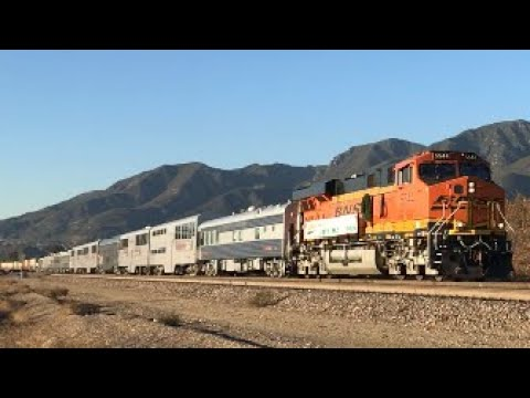 Railfanning Trains around SoCal including BNSF Christmas train & more!!