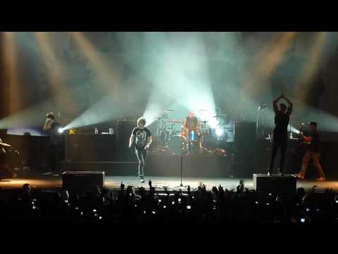 [HD] All Time Low - Dear Maria, Count Me In (live in Jakarta 2010)