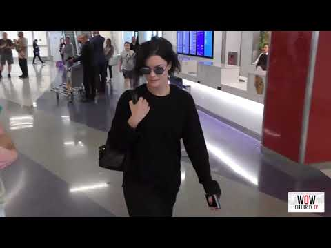 Jaimie Alexander talks about her tweet about Mark Hamill while arriving at lax airport in LA