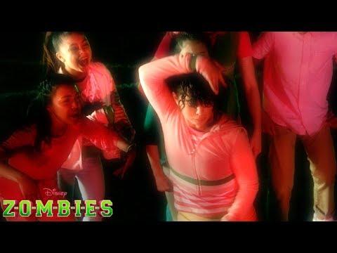 BAMM! Dance Battle   Z-O-M-B-I-E-S   Disney Channel