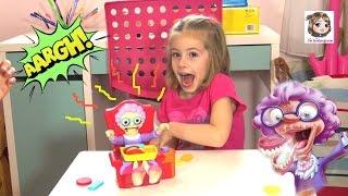 GREEDY GRANNY - Wer schafft es Omas Kekse zu klauen? - KEKS KARACHO | Tomy Kinderspiel mit Action