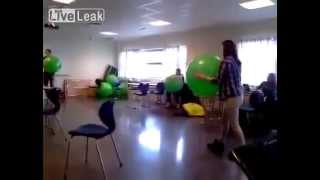Девушка с шарами / Girl with balloons