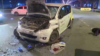 Два человека пострадали в перевернувшемся авто