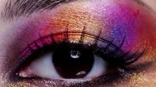 إسألي ماغي – كيف تبرزين جمال عينيك في الليل