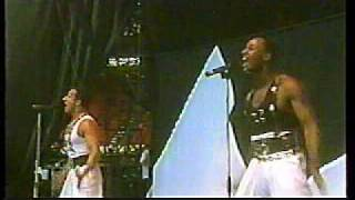 "LONDON BOYS: ""Harlem Desire"" (Live at Wembley!)"