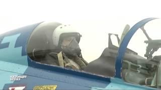 Порошенко полетал на истребителе Су-27 NO COMMENT