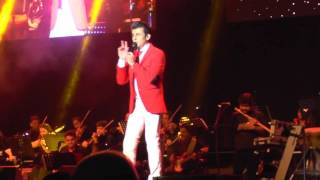 Gambar cover Sonu Nigam singing Suraj Hua Maddham (K3G) - Live in the Netherlands