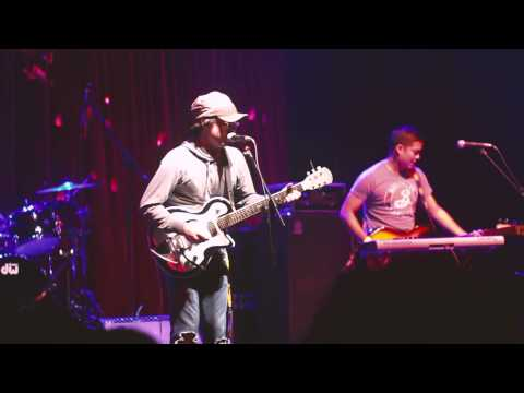 Clap Your Hands Say Yeah - CYHSY + Let the cool goddess rust away (@CC. Barranco -Lima - Perú)