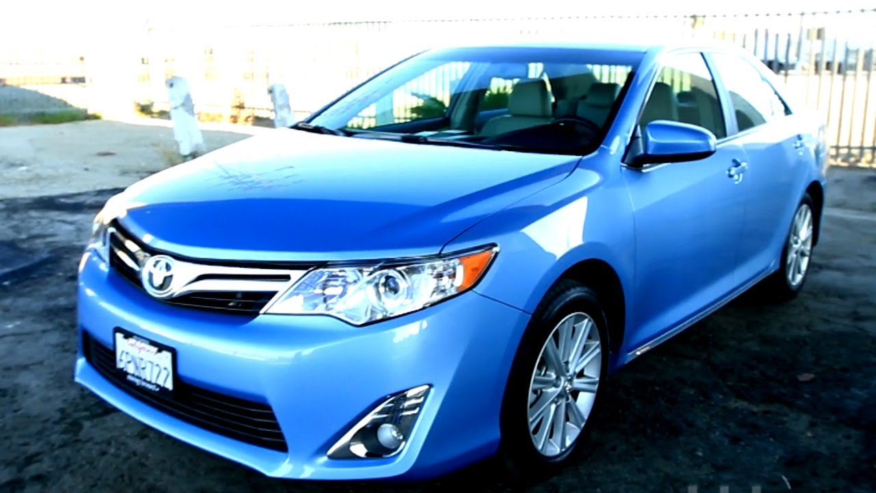 2012 toyota camry review kelley blue book youtube. Black Bedroom Furniture Sets. Home Design Ideas