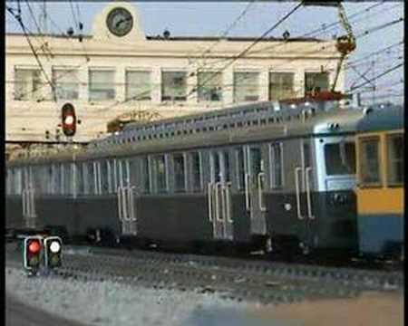 SUIZAS RENFE: triple de 800 entrando en Estació França 1984