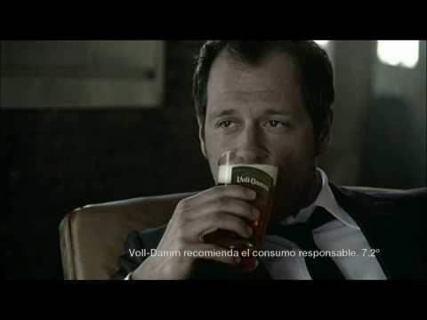 Anuncio Cerveza VollDamm Doble Malta. Gente Normal. Darren Pettie. Febrero 2011