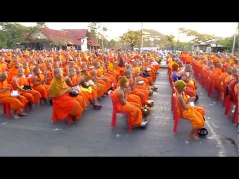 12,999 Monks Chanting in Chiang Mai