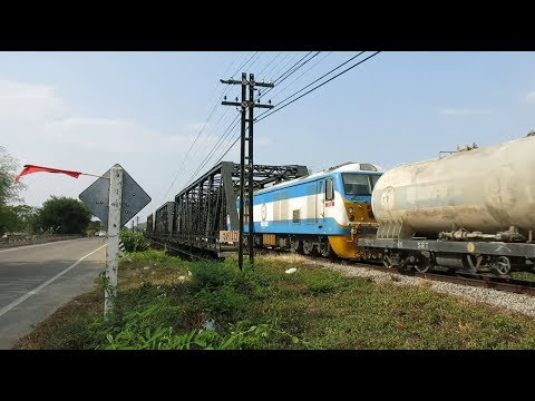 TPI Polene CSR Loco, taking cement to TPI in Lamphun, State Railway of Thailand