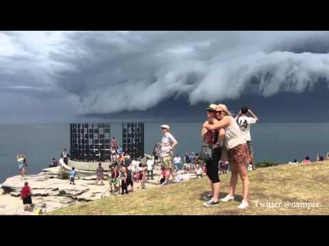 Un nuage en forme de vague ébahit les habitants de Sydney