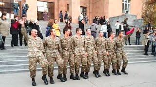 Video KOCHARI, YARKHUSHTA BY ARMENIAN SOLDIERS download MP3, 3GP, MP4, WEBM, AVI, FLV Oktober 2018