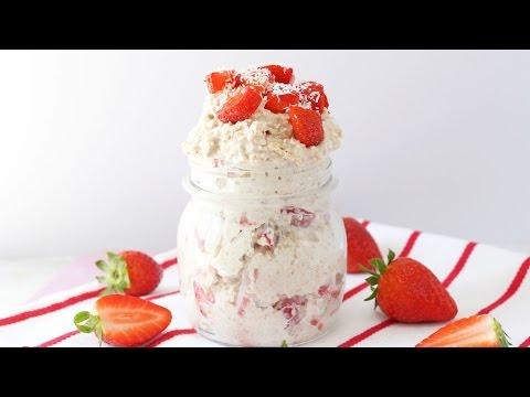 Strawberry Shortcake Overnight Oats | Healthy Breakfast Recipe