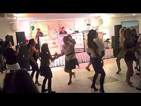 schausteller party musik und Tanz reisende Sänger latscho Schuka Tschei Feier party