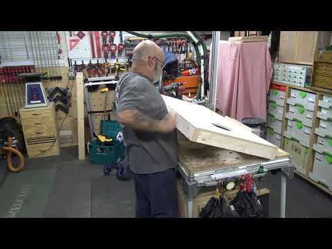 Build of a cornhole board.