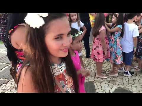 Meu Primeiro DESFILE :: Dia de Princesa?? - Canal Bela Bagunça
