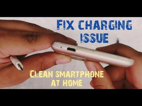 How to clean smartphone charging port and headphone jack 2018 Hindi