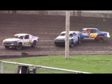 Covering 77c Carlson Boone Stock Car Heat Race 4/8/17