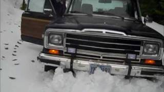 jeep wagoneer in the snow