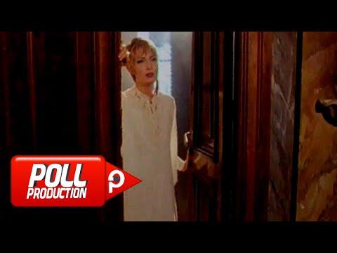 Deniz Arcak - Eller Aldatır - (Official Video)