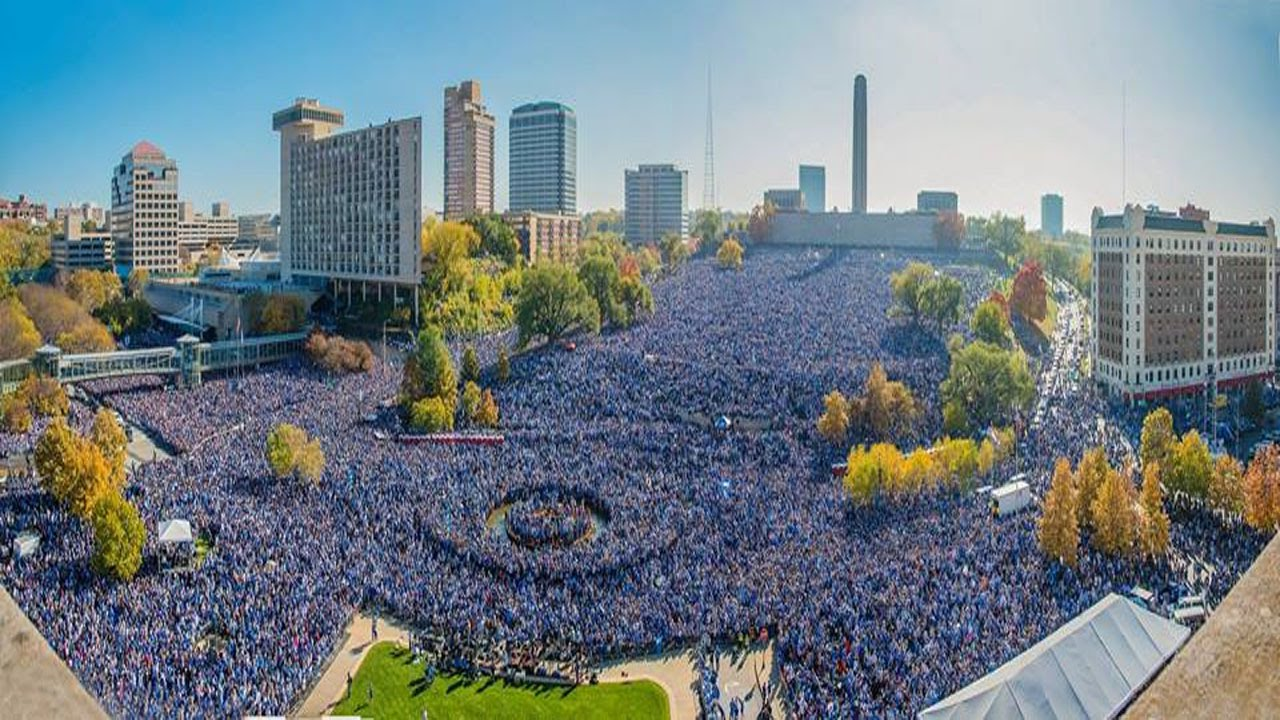 A photograph of thousands of people in Kansas City celebrating the 2015 Royals World Series Championship.