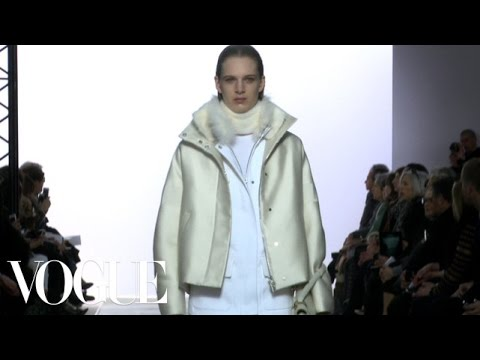 Fashion Show – Fall 2013 Ready-to-Wear: Giambattista Valli