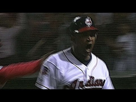 1997 ALDS Gm4: Alomar homers off Mo to tie it