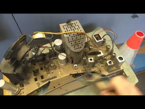 "Servicing an early 60s zenith model K2127 19"" B&W television Part 4/4"