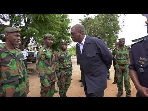 Côte d'Ivoire: Le ministre de la Défense visite l'armée de l'air
