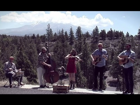 Dead Winter Carpenters - Forty Four (Roadside Session at Mt. Shasta, CA)