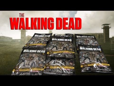 Unwrap some The Walking Dead Blind Bag Minifigures